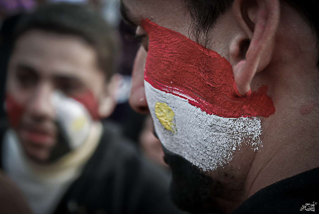 Protest Face Paint por AhmadHammoud, Flickr