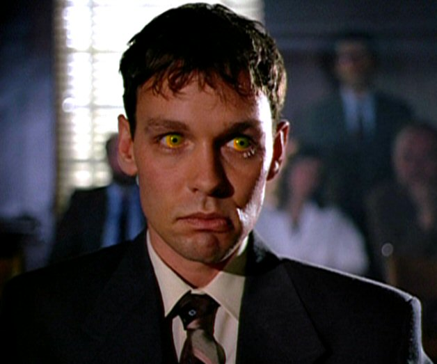 Fuente: http://x-files.wikia.com/wiki/Eugene_Victor_Tooms